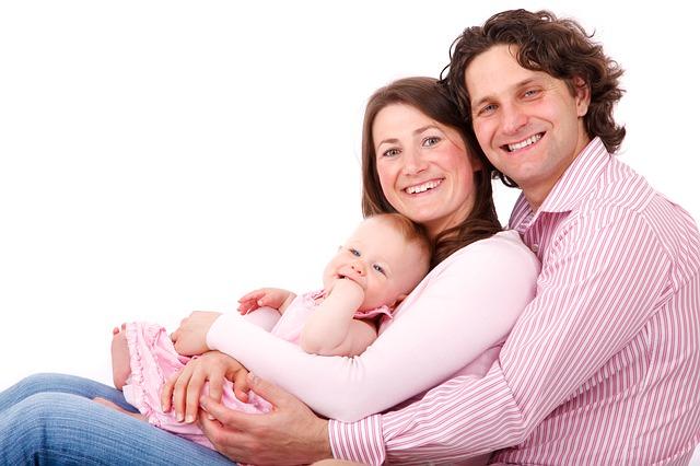 Rzeczy dziecięce dla matki oraz ojca